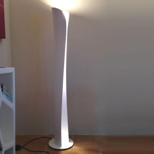 Artemide Cadmo lampada da terra design Karim Rashid